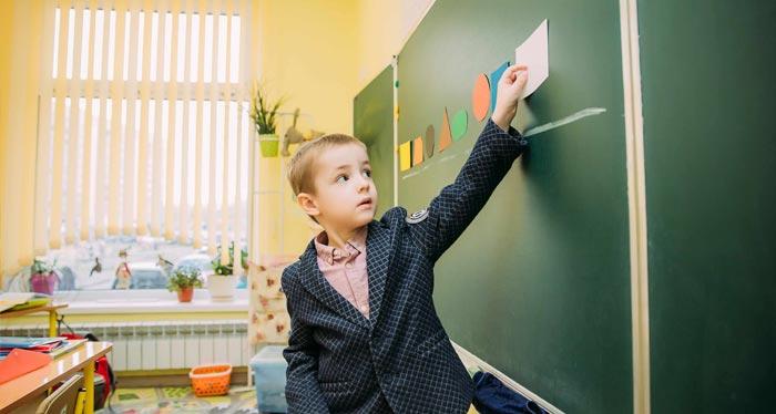 с какого возраста изучать английский язык ребенку